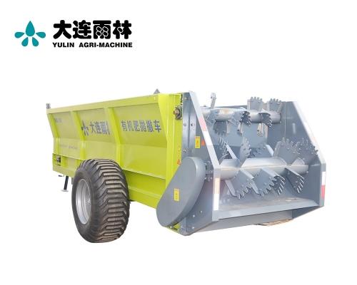 大型拖拉机牵引式8吨固体肥抛撒机