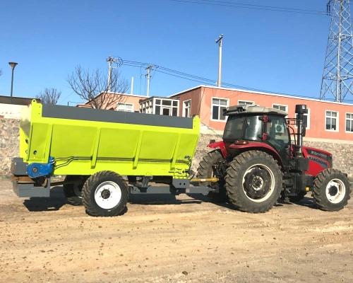 小四轮拖拉机带施肥机