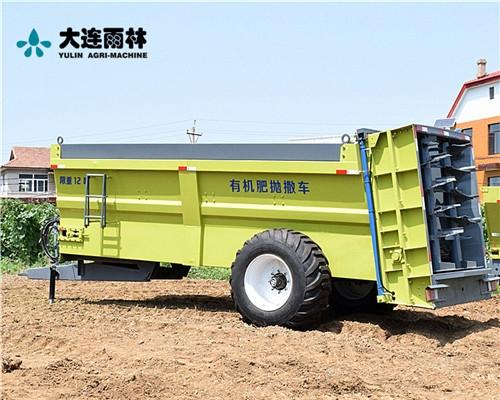 拖拉机牵引式湿粪抛撒车