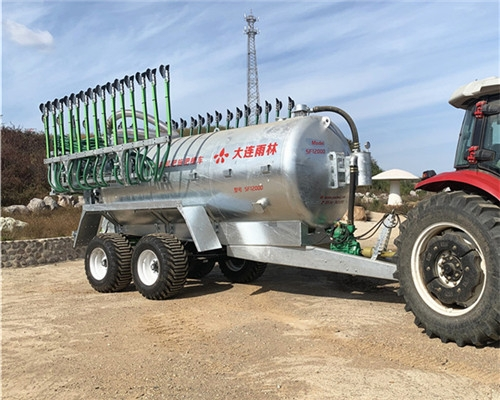 大型罐装可移动式沼液施肥车