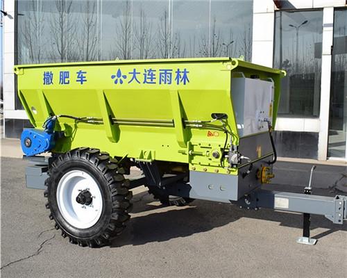 小型有机肥撒肥机 多功能撒肥车
