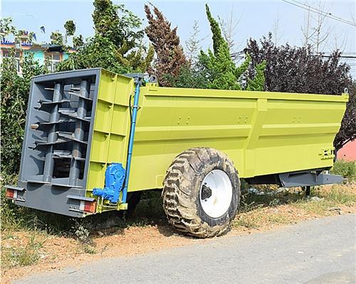 大型农家肥撒粪车