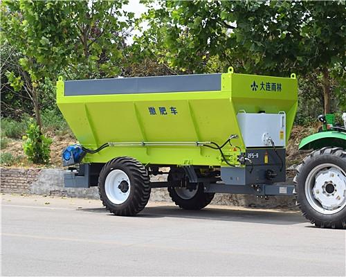 新型颗粒有机肥撒肥车