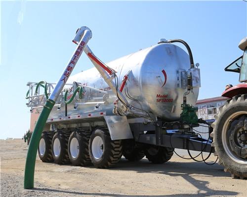 大型液态罐车